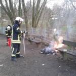 Brennender Mülleimer in Oelinghoven