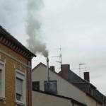 Starke Rauchentwicklung aus dem Kamin